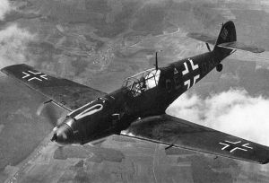 800px-Bf_109E-3_in_flight_(1940)